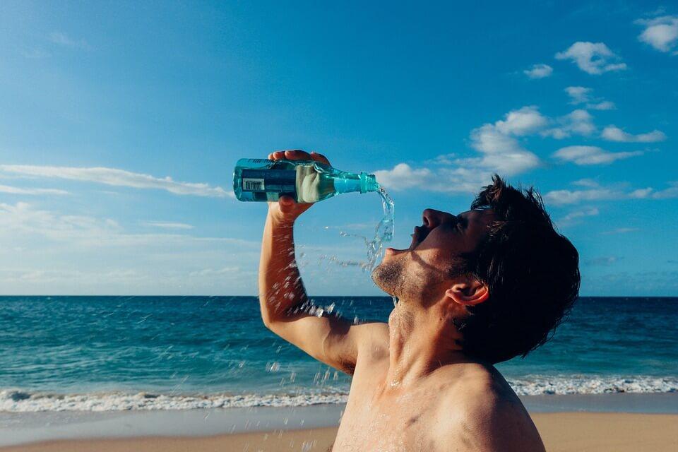 H2O à l'effort. Vous vous hydratez assez ou trop?